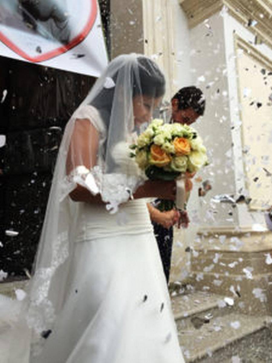 Chi Porta Il Bouquet Alla Sposa.Tradizioni Del Matrimonio Tutte Le Usanze Per Un Matrimonio