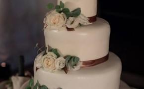 wedding cake color avorio